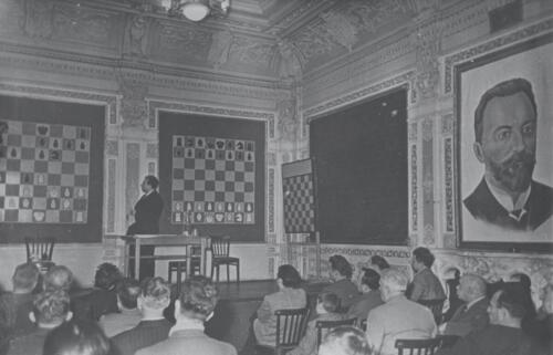 Chigorin Hall: Games of the Candidates Tournament are being demonstrated to the spectators, 1959