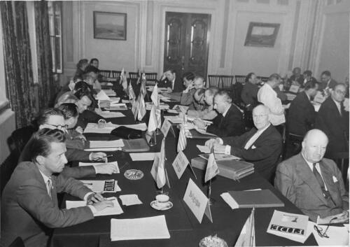 Great Hall: Meeting of the 27th FIDE Congress, 1956
