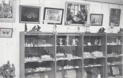 An exposition in the old room of the Chess Museum (now the Hall of Fame), 1980s