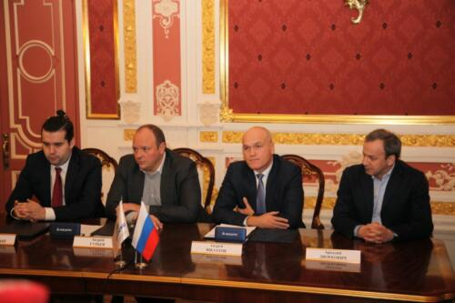 CFR President Andrey Filatov and CEO of PhosAgro Andrey Guryev sign a strategic partnership agreement in the Chigorin Hall (Red Lounge) of the Central Chess House, 2020