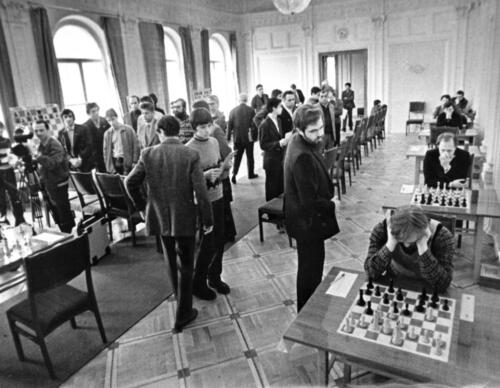 The Great Hall of the Central Chess Club is hosting a round of the World TV Chess Olympiad, the forerunner of the modern Online Olympiad, 1982