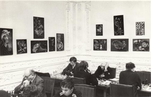 Большой зал: Выставка шахматной художницы Г. Сатониной. 1983