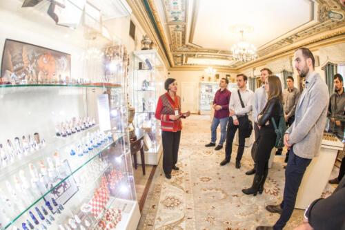 Т. Н. Колесникович два раза в неделю проводит бесплатные экскурсии по Музею шахмат для всех желающих